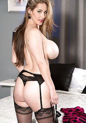Big Tits Lingerie Pictures