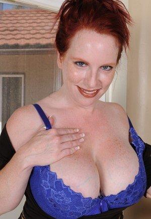 Lesbians Big Boobs Big Nipples