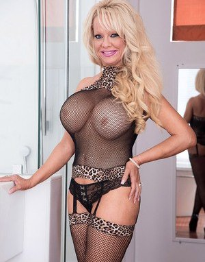 Big Tits in Stockings Pictures
